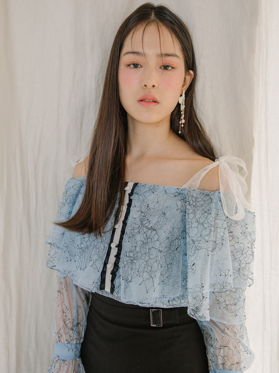 18SS Off-shoulder lace blouse (Blue)