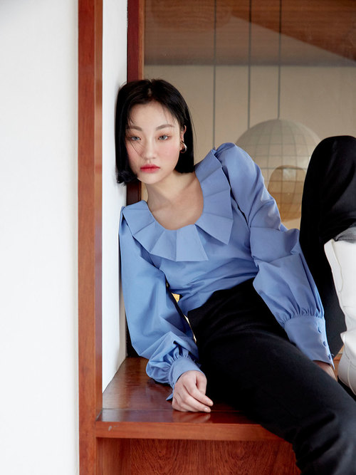 19SS Tuck collar blouse (Blue)